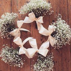 Instagram media prasonhardecoracao - Inspiração de buquê para noivas, madrinhas, demoiselles e daminhas #buquê #casamento #noiva #damas#daminhas #demoiselles #gypsophila