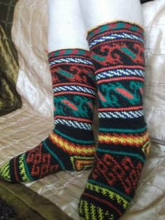 боснийский крючок - Поиск в Google Crochet Socks, Knitting Socks, Knit Socks, Fair Isle Knitting, Mittens, Slippers, Pattern, Google, Color