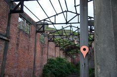 Proyecto de crear casas  para pájaros con la forma del símbolo de Google Maps. SHU-CHUN HSIAO