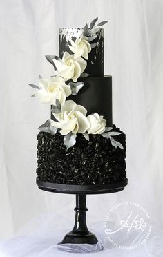 Black wedding cake, black and silver wedding cake, silver leaf wedding cake, silver wedding cake, elegant wedding cakes, luxury wedding cake, wedding cake inspiration