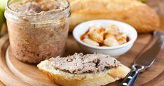 Cette recette de cretons à l'ancienne vous offre un creton au goût rustique, tel celui de nos aïeuls. Essayez cette recette traditionnelle, c'est la meilleure! Snack Recipes, Snacks, Vinaigrette, Starters, Finger Foods, Camembert Cheese, Mashed Potatoes, Dips, French Toast
