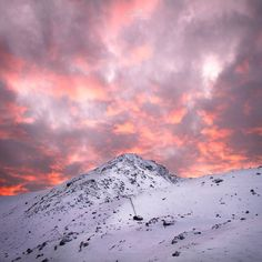 Continuing with the short New Zealand theme heres a shot of the most amazing sunset over The Remarkables in Queenstown!  @clarkphotographic  http://ift.tt/1MWViJL  http://ift.tt/22SKk4z  paul@clarkphotographic.com . . . . . .  #viewbugfeature #lifeonourplanet #awesomepix #discoverglobe #fantastic_earth #photooftheday #bestworldpics #photographer #beautifuloutdoors #natgeolandscape #nature #natgeo #justgoshoot #exploretocreate #peoplescreatives #visualsoflife #worldtravelbook #photodaily…