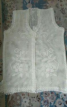 Crochet Baby Dress Pattern, Crochet Coat, Tunic Pattern, Baby Knitting Patterns, Crochet Clothes, Crochet Motifs, Crochet Stitches, Short Tops, Crochet Blouse