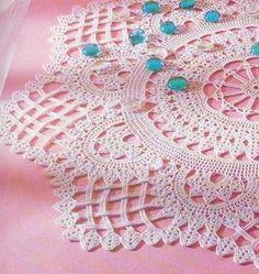 Вязание салфетки крючком...Free crochet charts for making!