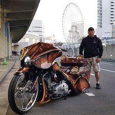 Custom Harleys, Custom Motorcycles, Custom Bikes, Cars And Motorcycles, Reverse Trike, Big Wheel, Baggers, Hot Bikes, Street Glide