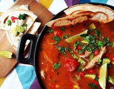Kaakao kermavaahdolla: ♥ Meksikolainen kanakeitto & tortillavohvelit Thai Red Curry, Dinner, Ethnic Recipes, Food, Dining, Food Dinners, Essen, Meals, Yemek