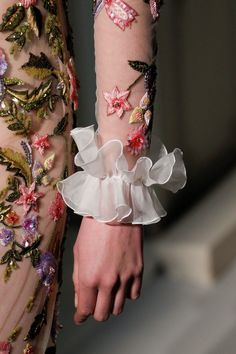 See detail photos for Giambattista Valli Spring 2017 Couture collection.