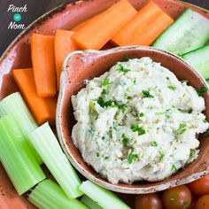 This Syn Free Hummus is the perfect snack for the Slimming World Extra Easy or Extra Easy SP plan. The best thing is that you have super speed foods with it Uk Recipes, Vegetable Recipes, Cooking Recipes, Healthy Recipes, Tasty Snacks, Savoury Recipes, Healthy Tips, Healthy Food, Slimming World Diet Plan