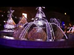 Donald Duck and Daisy and Goofy decorate the Christmas tree and wait for Mickey and Minnie who are on a mountain trip Donald And Daisy Duck, Christmas Bulbs, Minnie Mouse, Holiday Decor, Youtube, Christmas Light Bulbs, Youtubers, Youtube Movies