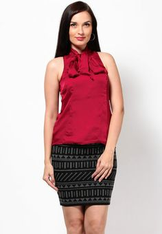 Kaxiaa Sleeve Less Solid Wine Top RS.1499/-
