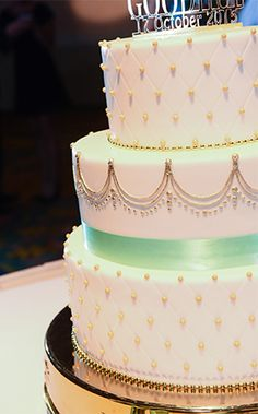 Wedding Cake Wednesday: Dainty Gold Details Ever After Blog | Disney Fairy Tale Weddings and Honeymoon
