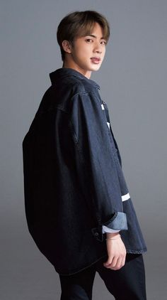 The oldest member of BTS, Jin fashion and style tends to be clean-cut and put-together, for dignified looks that are befitting of the eldest Hyung. Seokjin, Kim Namjoon, Kim Taehyung, Jung Hoseok, Jimin, Bts Jin, Bts Bangtan Boy, Jungkook Hot, Foto Bts