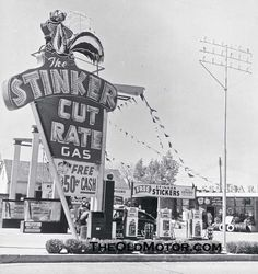 the Stinker Cut Rate Gas sign in Boise, Idaho, May 27 1956 Old Gas Pumps, Vintage Gas Pumps, Vintage Auto, Drive In, Pompe A Essence, Nostalgia, Gas Service, Old Garage, Vintage Neon Signs
