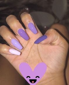Semi-permanent varnish, false nails, patches: which manicure to choose? - My Nails Best Acrylic Nails, Acrylic Nail Designs, Aycrlic Nails, Hair And Nails, Gorgeous Nails, Pretty Nails, Faux Ongles Gel, Purple Nail Art, Neon Purple Nails