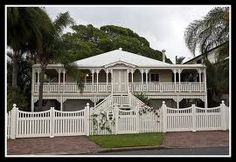 Old Queenslander at Woody Point - Redcliffe in Brisbane. Australian Architecture, Australian Homes, Colonial Architecture, Cabana, Queenslander House, British Colonial, Home Reno, The Ranch, House Front