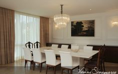 Chandelier in the dining room by Viviane Dinamarco