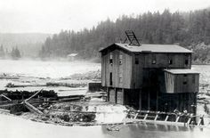 By the late Willamette Falls Electric — another predecessor of Portland General Electric — has built the area's first large-scale generation plant (Station A) at Willamette Falls in Oregon City. Oregon City, Portland Oregon, West Linn, True Homes, Colorized Photos, Historical Pictures, Old City, Pacific Northwest, Past
