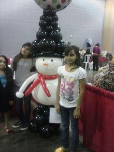 Muñeco de nieve en globos