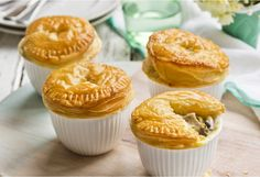 Chicken in pies? Try these flakey single serve pies when you& feeling chicky. Easy Eat, How To Cook Chicken, Easy Dinner Recipes, Chicken Recipes, Savoury Pies, Cooking Recipes, Dinners, Meals, Stuffed Peppers