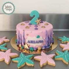 "229 Me gusta, 1 comentarios - Juliana Duque Pastelería (@julianaduque_pasteleria) en Instagram: ""#cake #cookies #starfish #undersea #bakery #customcakes #sugarart #julianaduquepasteleria"" Little Mermaid Cakes, Mermaid Birthday Cakes, Little Mermaid Birthday, Little Mermaid Parties, Birthday Party Decorations, Birthday Parties, Baby Birthday, Instagram Cake, Cupcake Cakes"