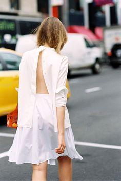 A fresh way to wear your white button-down shirt #style #fashion #streetstyle #kayture #blogger #vanessajackman