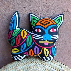 Fabulous-Feline-Stuffed-Mola-Cat