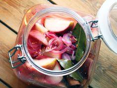 Picklade äpplen på Ernsts vis | Recept från Köket.se