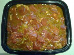 <p>BENODIG: 8 Uie sny in ringe 2 eetlepels Kerriepoeier 1 e Borrie 4 eetlepels Suiker 2 eetlepels Maziena 2 koppies Asyn 2 koppies Water 1 koppie Blatjang 1 koppie Appelkooskonfyt MAAK SO: Braai die uie, voeg Kerrie, Borrie, Suiker en asyn by, Meng die Maziena en water. Voeg by mengsel …</p> Braai Recipes, Lamb Recipes, Curry Recipes, Sauce Recipes, Meat Recipes, Chicken Recipes, Cooking Recipes, Chicken Marinades, South African Dishes
