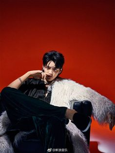 """""""kris that's illegal you can't do that oh my god"""" Kris Wu, Kpop Backgrounds, Kim Minseok, Wu Yi Fan, Photography Poses For Men, Seong, Models, Chanyeol, Music Artists"""