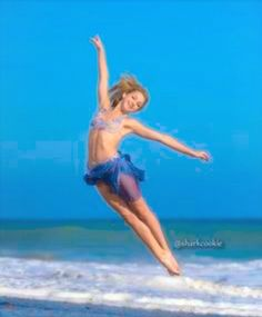 The amazing Chloe Lukasiak Today was my day to pin stuff on my fav dm dancer. So I choose Chloe!!!! She is amazing!!