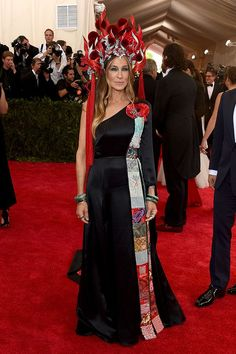 Why Poppies Are A Very Odd Choice For The Met Ball #refinery29  http://www.refinery29.com/2015/05/86835/poppies-at-met-gala