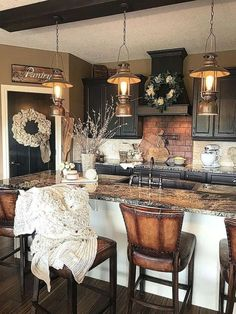 Rustic Kitchen Ideas - Rustic kitchen closet is a lovely mix of nation home and farmhouse decor. Search 30 ideas of rustic kitchen design right here Kitchen Redo, New Kitchen, Kitchen Sinks, Farm House Kitchen Ideas, Awesome Kitchen, Beautiful Kitchen, Kitchen Countertops, Dark Cabinet Kitchen, Kitchens With Dark Cabinets
