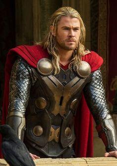 Chris Hemsworth: Thor The Dark World Marvel Comics, Marvel Fan, Marvel Heroes, Marvel Avengers, Avengers Images, Avengers Team, Batman Begins, Marvel Universe, Hulk