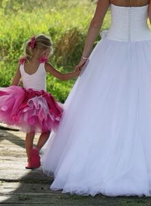Ecco il ritorno del colore, dei tessuti stampati delle fantasie da sognare... Www.tosettisposa.it #wedding #matrimonio #abitidasposa2014 #tosetti #tosettisposa #nozze