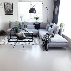 Scandinavian living room, living room decorations, small living room, modern living room Scandinavian style is trendy these years. The most striking element of Scandinavian minimalism is its color scheme - especially its simplicity. Use a pale Design Salon, Ikea Living Room, Minimalist Home, Home And Living, Modern Living, Small Living, French Living Rooms, Cozy Living, Living Room Designs