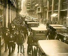 Florida entre Cangallo y Sarmiento. 1933 Florida, South America, Street View, Black And White, Tango, Cry, Argentina, Antique Photos, Street