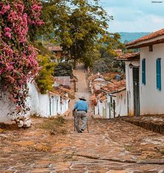 Barichara Art Village, City Living, Vacation Trips, Beautiful World, South America, Landscape Paintings, Cool Pictures, Scenery, Places To Visit