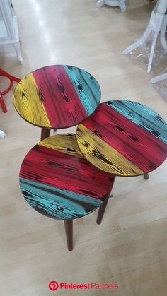 This Pin was discovered by Nes Wooden Pallet Furniture, Handmade Furniture, Upcycled Furniture, Wood Pallets, Pallette Furniture, Paint Furniture, Wooden Wall Art, Wood Art, Diy Tisch
