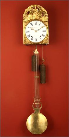 Antiguo Reloj de Pared de Tipo Morez. Francia, ca. 1850- 1900.