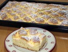 Zutaten für ein Backblech: Für den Steppdeckenkuchen-Teig: 4 Eier, zimmerwarm 250 g weiche Butter 275 g Zucker 1 Päckch...