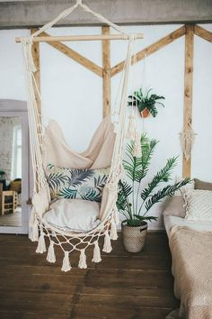 Hanging Hammock Chair for Bedroom. Hanging Hammock Chair for Bedroom. Indoor Swing Chairs Inspirations for Your Home Decor My New Room, My Room, Design Patio, Chair Design, Furniture Design, Modern Furniture, Macrame Hanging Chair, Hanging Chairs, Hanging Beds