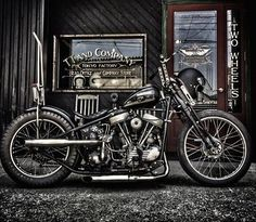Custom Paint, Art, Motorcycles, Rat Rods, Metal flake, Helmets, choppers, harley davidson, panhead, shovelhead, ironhead, knucklehead, flatthead, mealflake, 70's, #harleydavidsonknucklehead #harleyddavidsonpanhead #harleydavidsonchoppersart