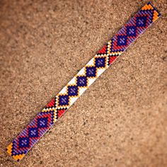 Γεια, βρήκα αυτή την καταπληκτική ανάρτηση στο Etsy στο https://www.etsy.com/listing/223047450/friendship-bead-loom-bracelet-bohemian