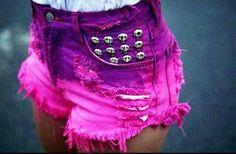 Preciosos shorts en morado y rosa. Podeis encontrarlos en twiter.