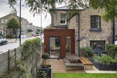 The Architectural firm HUT uses pre-rusted steel for an extension to a House in London Fields, in the London Borough of Hackney. Glass Extension, Rear Extension, Extension Ideas, London Architecture, Architecture Details, Victorian Terrace, Victorian Homes, Steel Cladding, London Fields