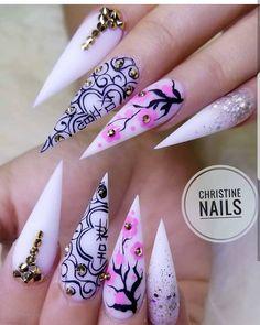 Beautifu nsils by @christine__nails