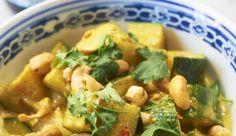 Dit heerlijke recept voor vegetarische curry met courgettekomt uit het musthave boekSmart Cooking Compleet van Julius…
