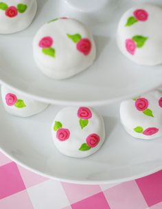 Bake at Sugarlicious! Pink Posie Petits Fours.and a giveaway! Fancy Cakes, Mini Cakes, Cupcake Cakes, Cupcakes, Pretty Cakes, Beautiful Cakes, Mini Desserts, Delicious Desserts, Oreo Cakesters
