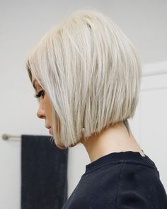 all things hair : maintenance, color, cut & style. Modern Bob Hairstyles, Hairstyles Haircuts, Hairstyles Videos, Formal Hairstyles, Short Hair Cuts, Short Hair Styles, Bobs For Thin Hair, Trending Haircuts, Great Hair
