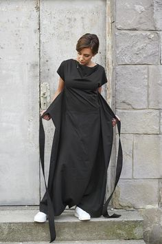 Jumpsuit Women Black Overall Black Jumpsuit Maxi Jumpsuit Jumpsuit Dress, Black Jumpsuit, Style Minimaliste, Effortless Chic, Steampunk Clothing, Contemporary Fashion, Minimal Fashion, Fashion Studio, Jumpsuits For Women